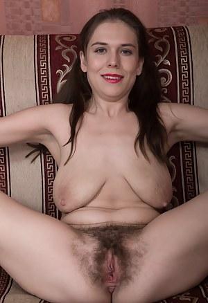 Moms Saggy Tits Porn Pictures