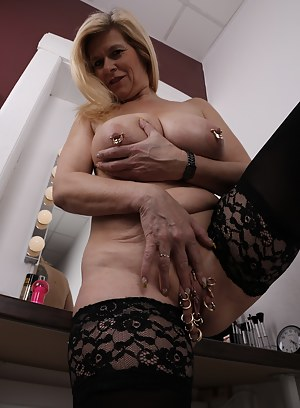 Moms Bizarre Porn Pictures