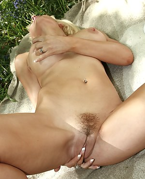 Moms Tight Pussy Porn Pictures